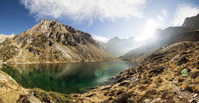 Panorama_du_lac_d'estom